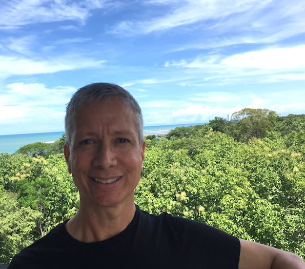 Expat Life in Panama – IL Interviews Roberto R Hernandez